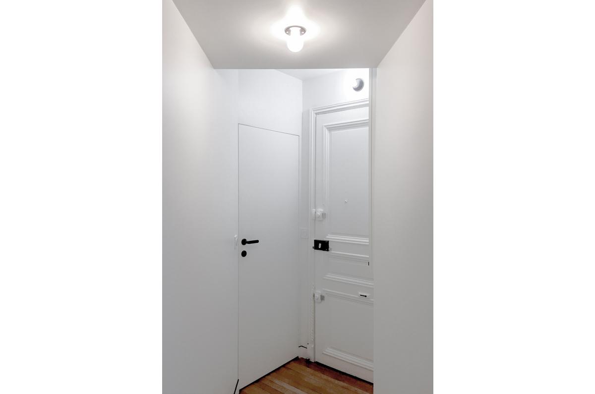 architecte-restructuration-appartement-porte-invisible-AREA-Studio