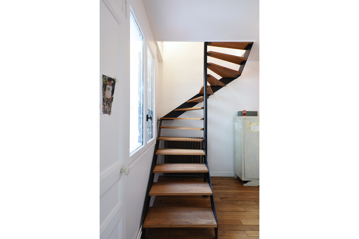 architecte-restructuration-renovation-escalier-metallique-AREA-Studio.jpg